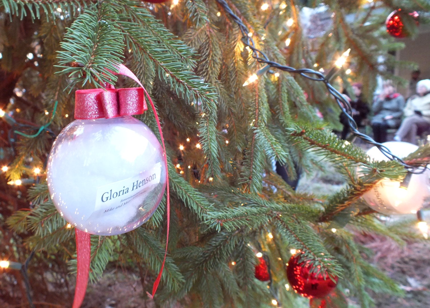 Ornaments on a tree at Hospice House and Support Care of Williamsburg remember lost loved ones & Hospice House Ceremony Brings Light to Loss During the Holidays ...