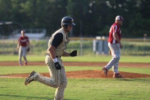 Kent Klyman runs to first base. (file photo)