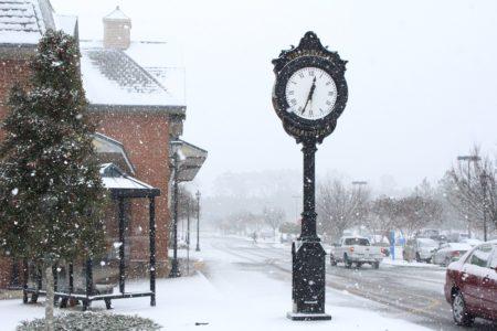 Snow, Windsormeade Marketplace, Jan 2016