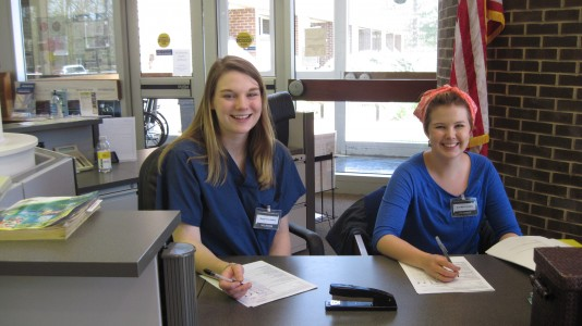 Ann Marie Rydberg and Megan Thackaberry, two William & Mary students who regularly volunteer at Olde Towne Medical and Dental Center. (Courtesy OTMDC)