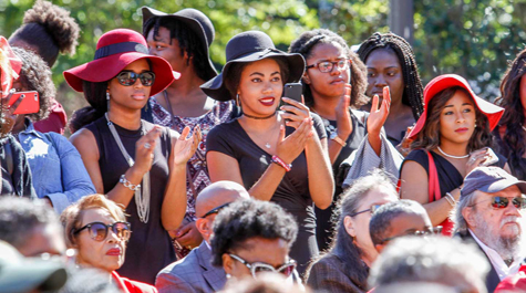 Students were among the crowd of more than 300 that gathered for the ceremony. (Photo by Skip Rowland '83)
