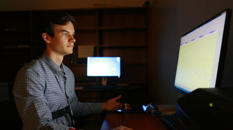Alex Williams '17 is leading a research project that aims to find out why some people develop fears indirectly more easily than others. (Stephen Salpukas/W&M News)