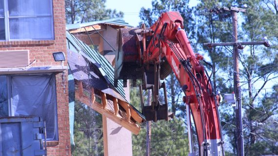 Demolition of Williamsburg Super 8 begins