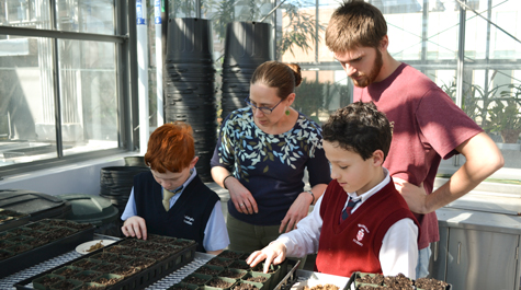 Walsingham Academy students explore W&M greenhouse as 'citizen-scientists'