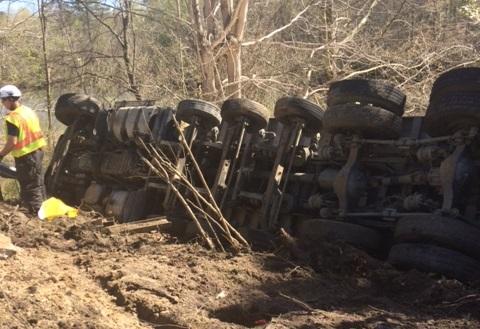 I-64 eastbound closed after dump truck crash, VSP says