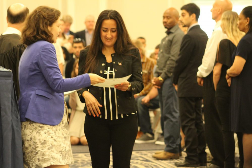 Photos 88 Take Oath Of Allegiance To Become Us Citizens