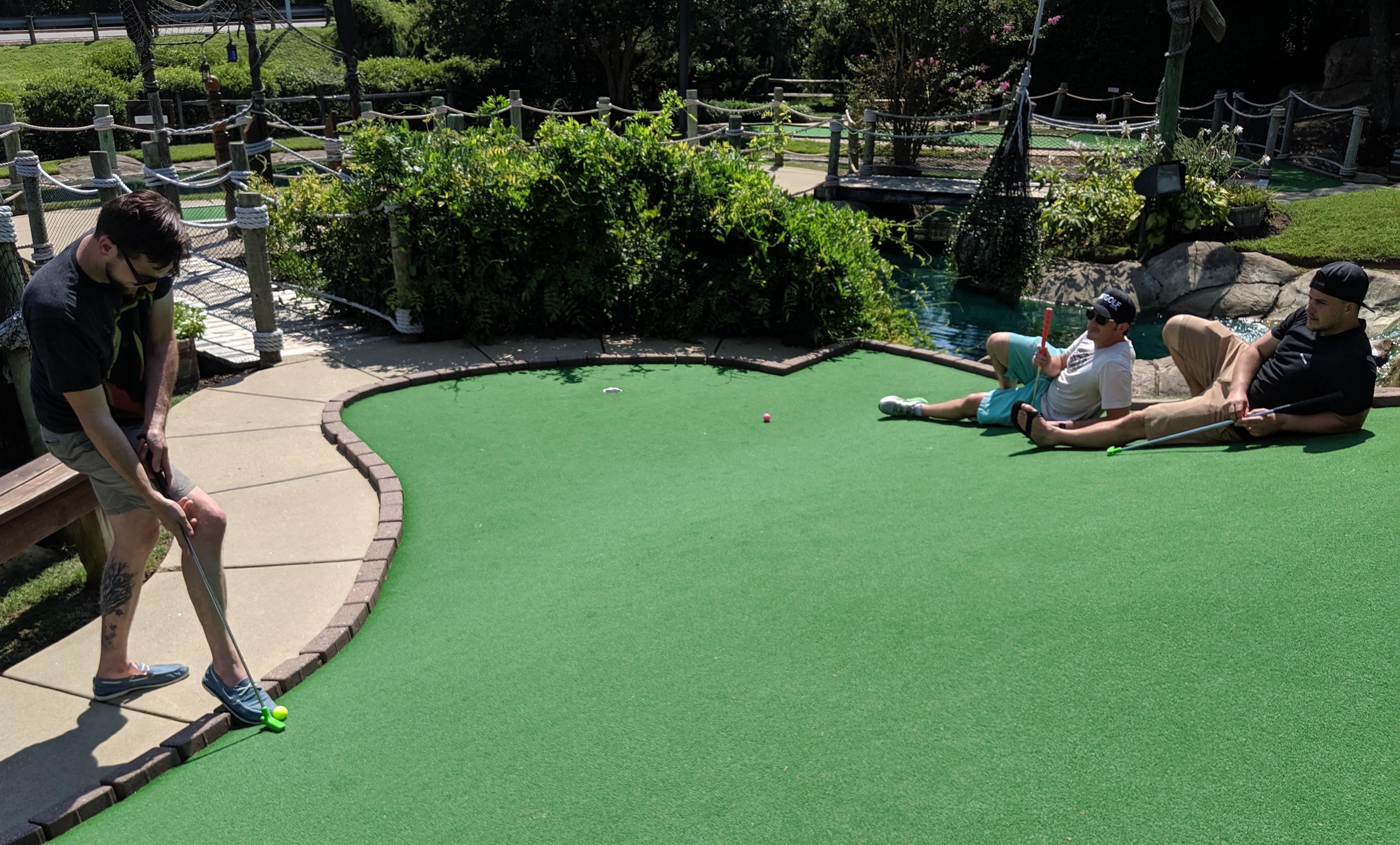Mini Golf Guys bring laughs, charity to Williamsburg